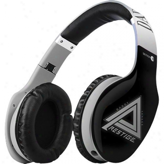 Section 8 Daddy Yankee Super Bass Pro Headphones