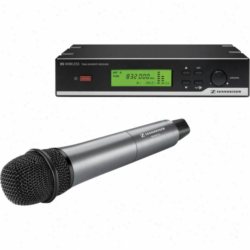 Sennheiser Xsw 35 A Frequency Vocal Set Wireless Microphone System