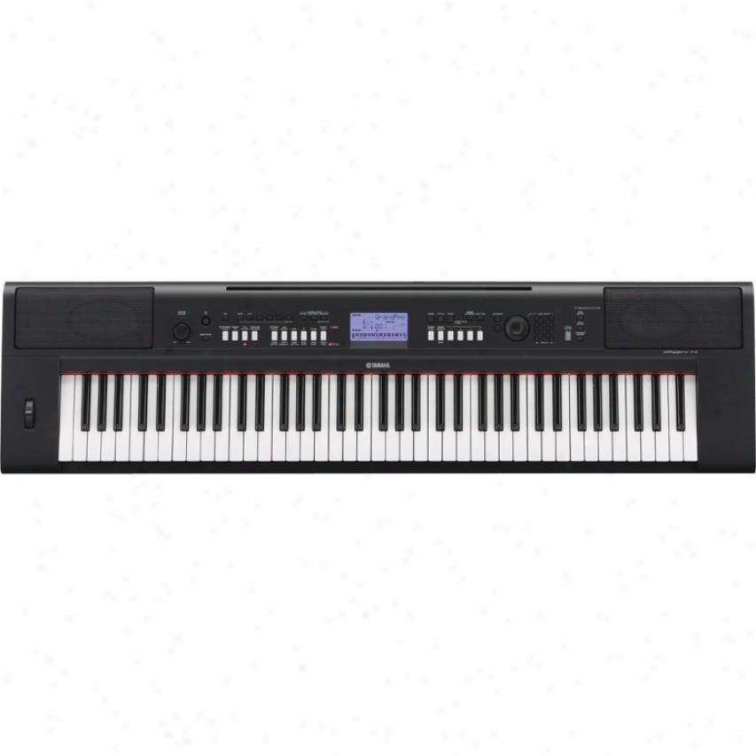 Yamaha Piaggero Np-v6O 76-key Ultra Portable Digital Piano