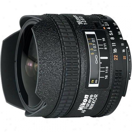 Nikon 16mm F/2.8 D-series Fisheye Lens