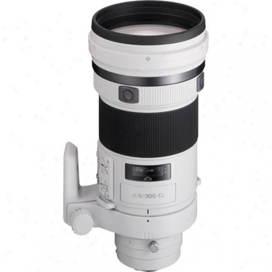 Sony 300mmm F/2.8 G-series Super Telephoro Lens - Sal-300f28g