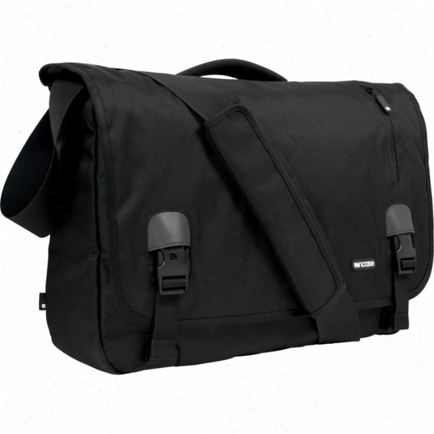 Incase Nylon Messenger - Cl55303 - Black