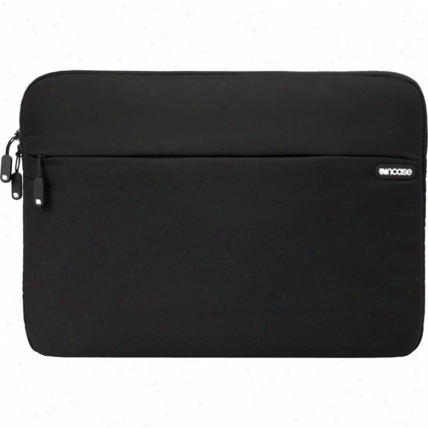 Incase Nylon Protective Sleeve - Cl57480 - Black