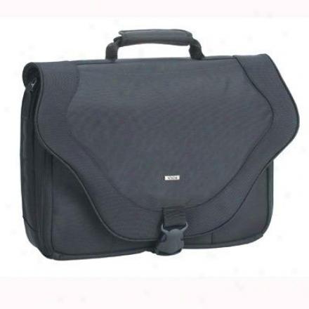 "Solo 17"" Laptop Messenger Bag Black Pt920-4"