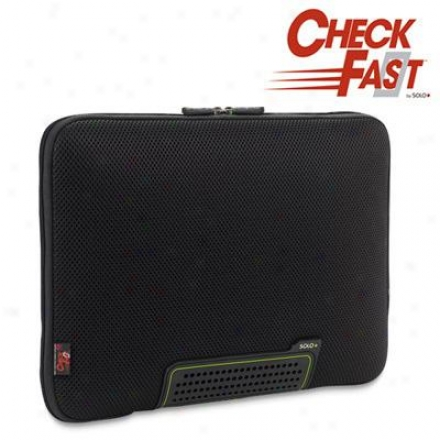 "Solo Alwayson 17"" Laptop Sleeve - Blqck Tcb102-4"