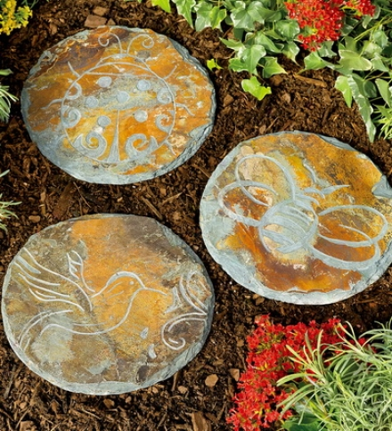 "12"" Dia. X 1/2""h Bird Or Bug Slate Stpeping Stonebuy 3 Or More At $10.95 Each"