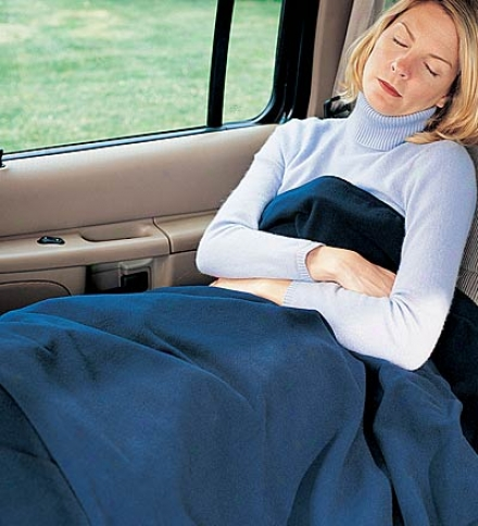 "43"" X 59"" 12v Polyester Clip Electric Car Blanket With 8' Cord"