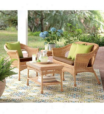 A1l-weather Resin Outdoor Easy Care Wicker Chair