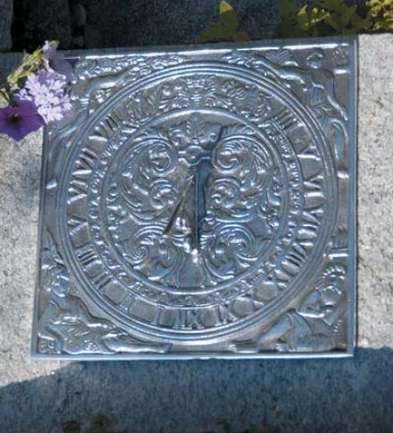 Cast-zluminum Roman Garden Sundial