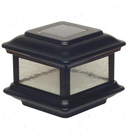 Colonial Solar-powered Fence Post Cap Light