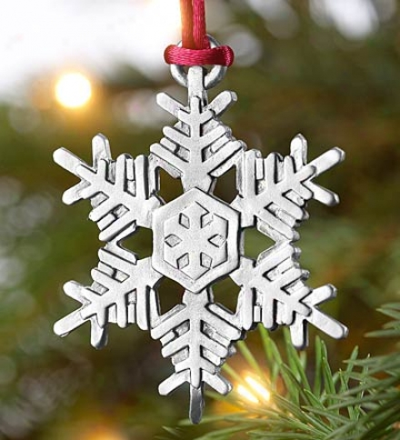 Detailed Pewter Snowflake Ornaemnt