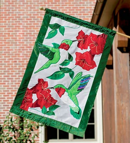 Fade-resistant Hummingbird Estate Oversized Appliqu&##233; Flag With Embroidered Stitching