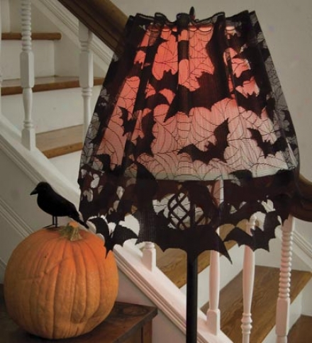 Going Batty Lampshade Topper