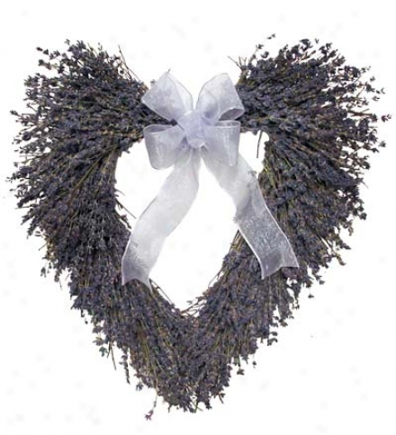 "Handcrafted 16"" Heart-shaped English Lavender Garland With Ribbon"