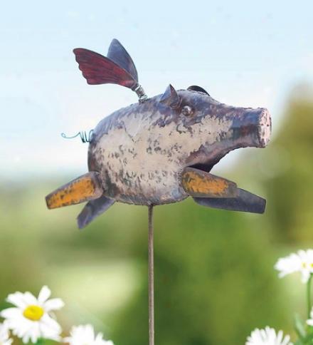 Handmade Metal Flying Pig Garden Risk