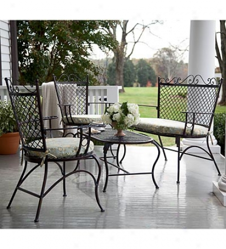Iron Outdoor Seating Set With Cushions