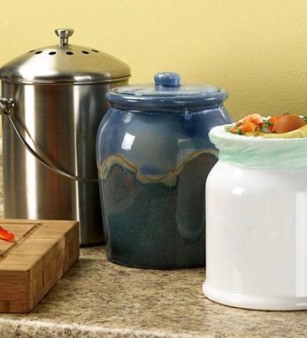 Leakproof, Odor-free .9-gallon Glazed Ceramic Compost Crock