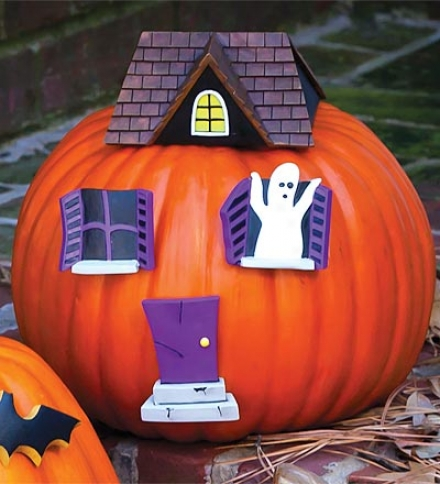 Poly-stone Pumpkin Wear Haunted House