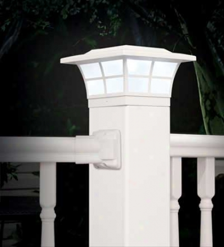 Prestige Solar-powered Fence Post Cap Light