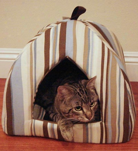 Striped Manufactured cloth Hooded Pet Bed For Cats And Small Dogs