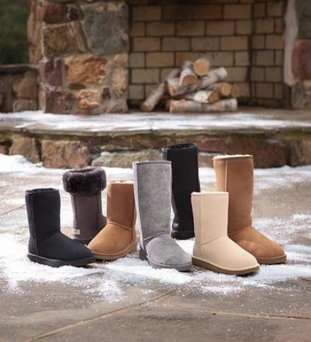 Ugg?? Austrwlia Women's Classic Sheepskin Short Boots