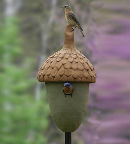 Usa-made Acorn-shaped Bluebird Chateau Pole-mount Birdhouse