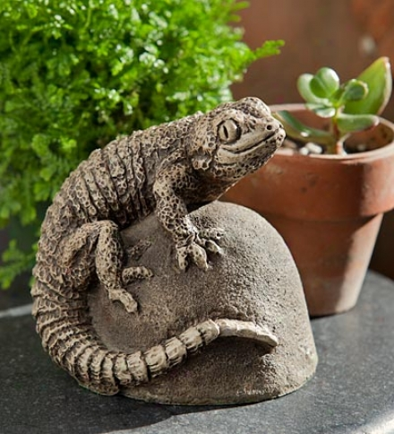 Usa-made Handcrafted Cast-stone Lizard Ike