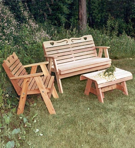 Weather-resistant Country Hearts Cedar 3-piecw Patio Set