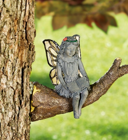 Weather-resistant Kissing And Reading Fairies Set