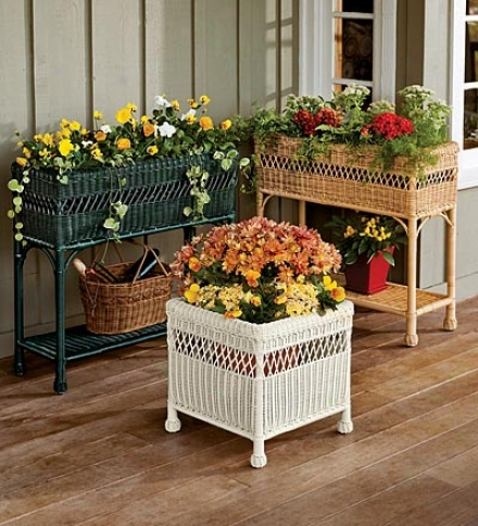 Weather-resistant Square Wicker Planter