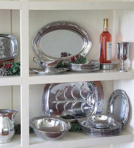 Wilton Armetale® Queen Anne Design Aluminum Sald Plate