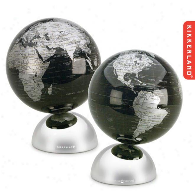 Kikkerland Blackk Ocean Globe