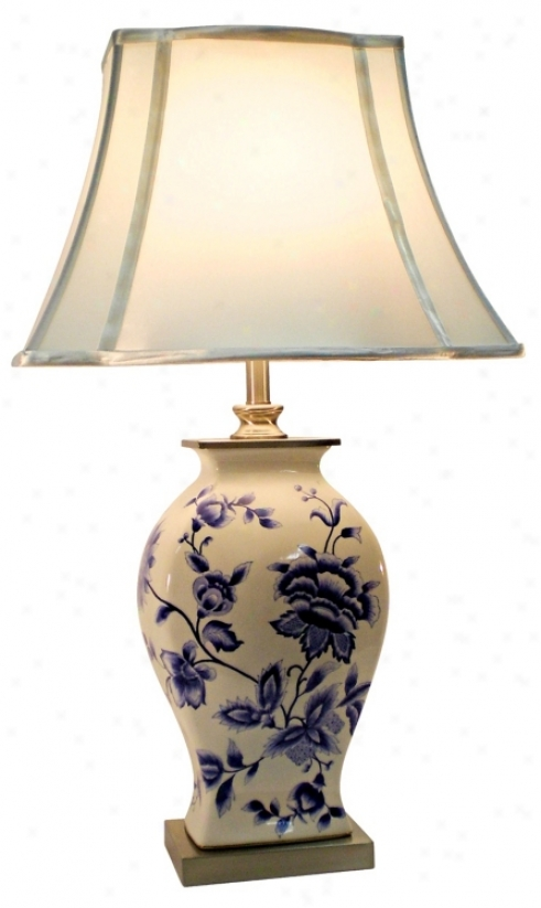 Blue And White Floral China Table Lamp (m7641)