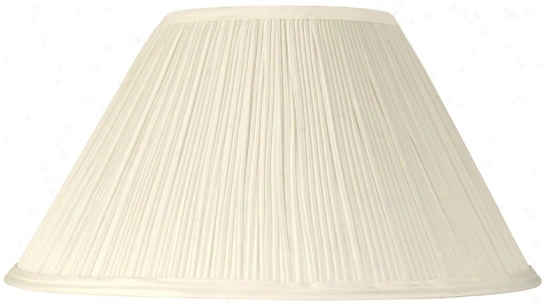 Mushroom Pleated Creme Lamp Shade 6x14x8 (spider) (29936)