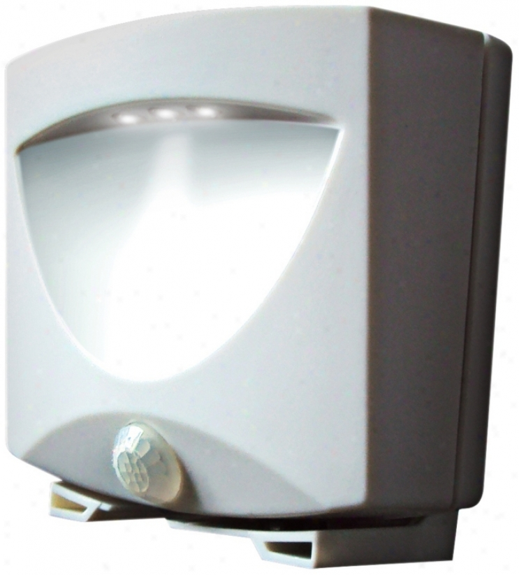 White Battery Powered 3-light Led Outdoor Night Light (t4508)