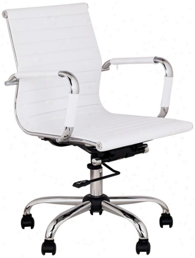 White Lea5her Low Back Swivel Office Chair (m5402)