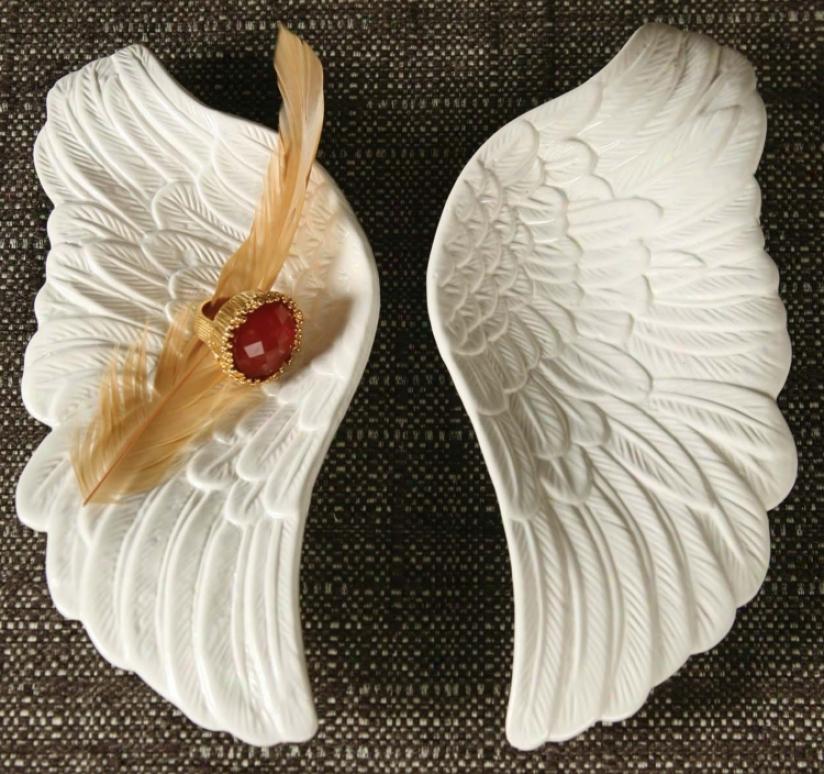 White Pair Of Wings (n2237)