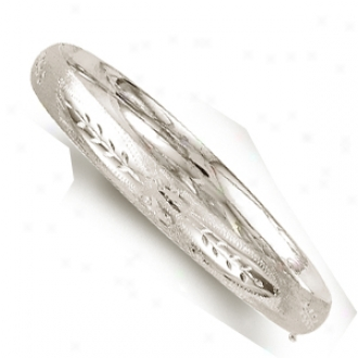 14k Whitte 8 Mm Diamond-cut Flower Motif Bangle - 7 Inch