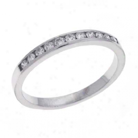14k White Channel-set Round 0.23 Ct Diamond Baand Ring