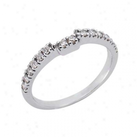 14k White Curved Design 0.27 Ct Diamond Band Ring