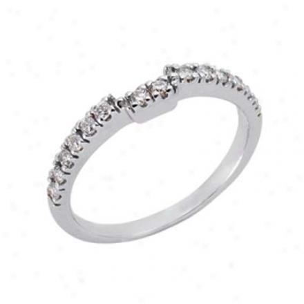 14k White Curved Design 0.27 Ct Diamond Band Ring