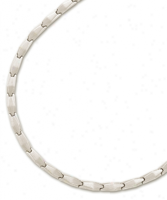 14k Whote Elegant Design Necklace - 17 Inch
