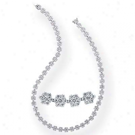 14k White Prime 26.07 Ct Diamond Necklace