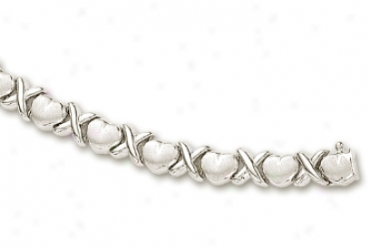 14k White Hugs And Kisses Matt Heart Shape Bracelet - 8 Inch