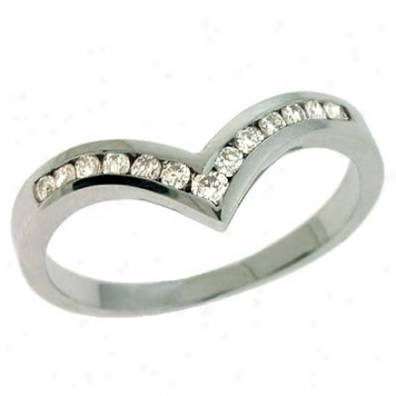 14k White V Shape Curved Design 0.22 Ct Diamond Tie Ring