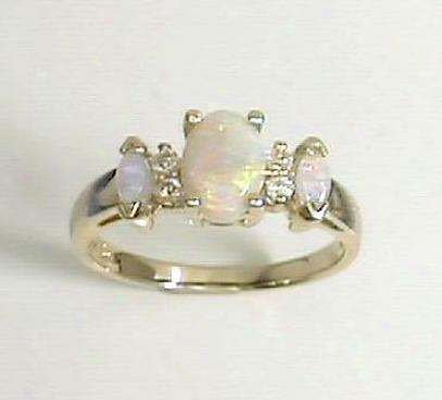 Opal & Dizmond Ring