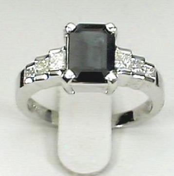 Wg Sapphire & Princess-cut Diamind Ring