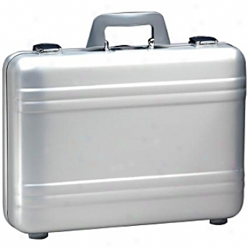 Zero Halliburton Aluminum Attaches 4in. Silver Elite Attache Case