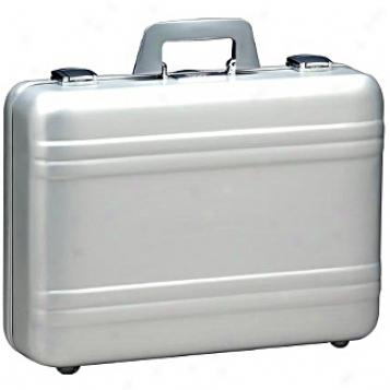 Zero Halliburton Aluminum Attafhes 5in. Silver Elite Attache Case