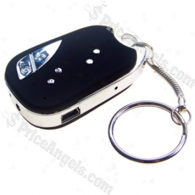 Rechargeable 2mp Pin-hole Spy Av Camera Disguised As Car Keychain (tf Sot) - Eu Charger